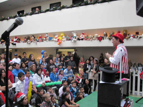 Jersey Jim's Christmas Magic Show at Ronald McDonald House